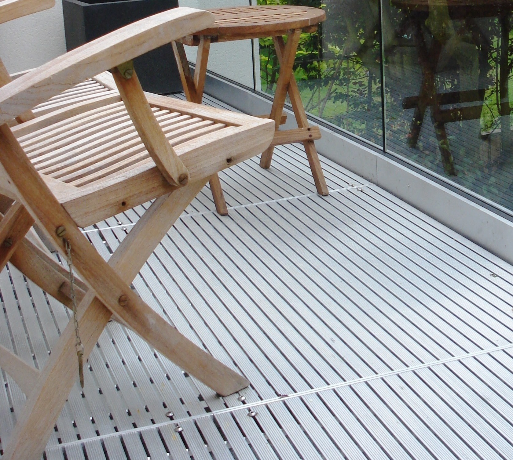 Metal decking an ideal alternative to traditional timber for Alternative to decking